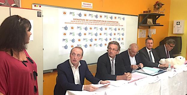 Les signataires de la convention