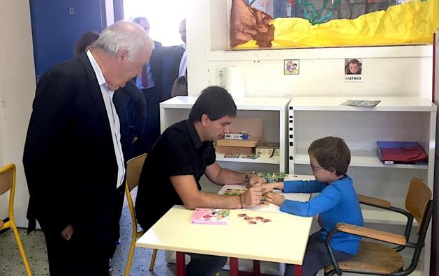 Le président Luciani, visite l'atelier