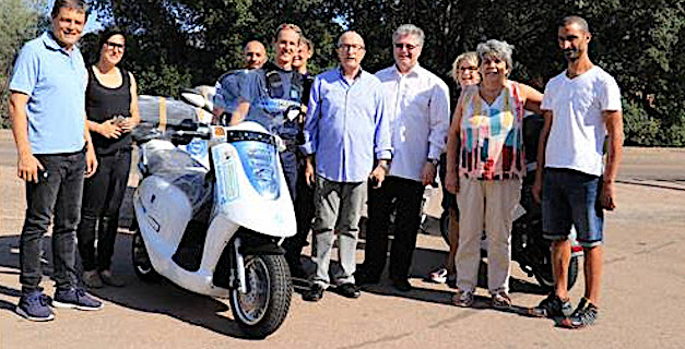 La livraison des scooters a eu lieu à Porto-Vecchio début septembre  en présence du Président de la communauté de communes du Sud-Corse, Georges Mela, des élus en charge de la police municipale Nicole Serra, pour la commune de Bonifacio, et Monsieur Joseph Tafani, pour la commune de Porto-Vecchio ainsi que des agents des services communaux et intercommunaux.