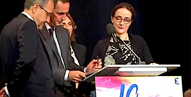 La présidente de France Télévision Delphine Ernotte a signé la charte de la langue corse aux côtés de Gilles Simeoni, président du conseil exécutif et de Jean-Guy Talamoni, président de l'assemblée de Corse