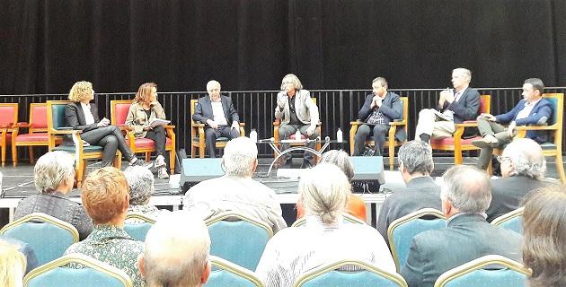 Table Ronde avec les représentants institutionnels lors de la Fête de la solidarité.
