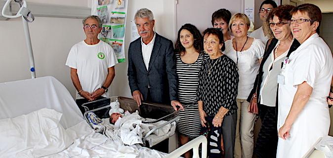 """Hôpital de Bastia : L'association """"Le blé de l'espérance"""" équipe le service de maternité"""