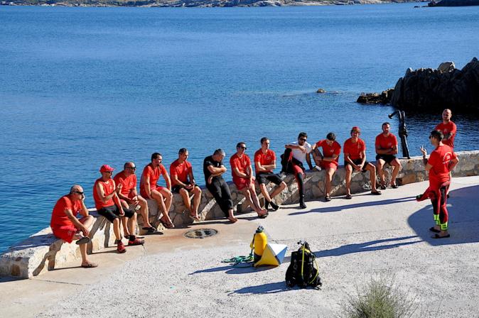 Calvi : Furmazione di spenghji fochi in u mare di a Staréso