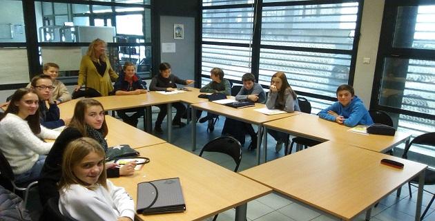 Marie-Pierre Coppolani (AS) avec les élèves