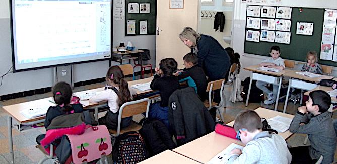 Bastia : Le recteur en visite dans les classes dédoublées