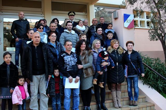 Cérémonie de remise de décrets de naturalisation à la sous-préfecture de Calvi