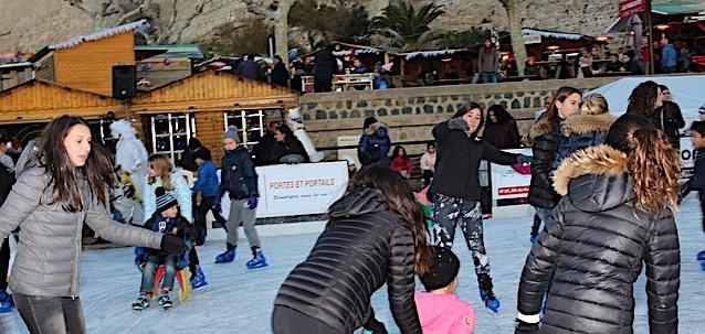 La patinoire de Calvi bat son plein et ça continue