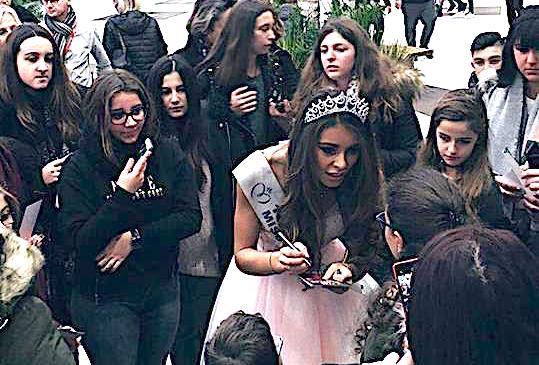 Miss Corse : Bain de foule et dédicaces à l'Atrium !