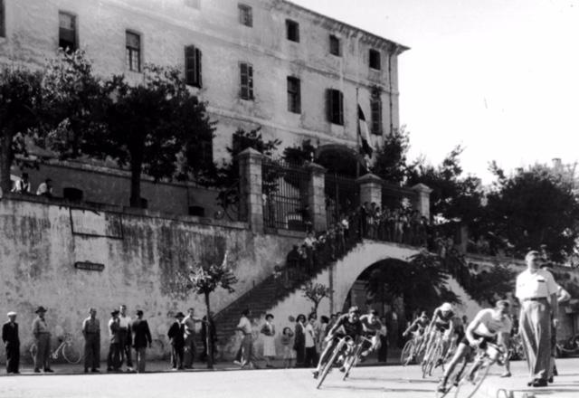 La caserne Abbatucci et le Cours Napoléonn