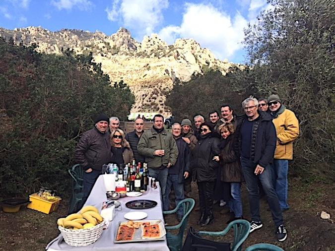 Sant'Antone di u monte in Aiacciu : Le vent n'a pas découragé les fidèles