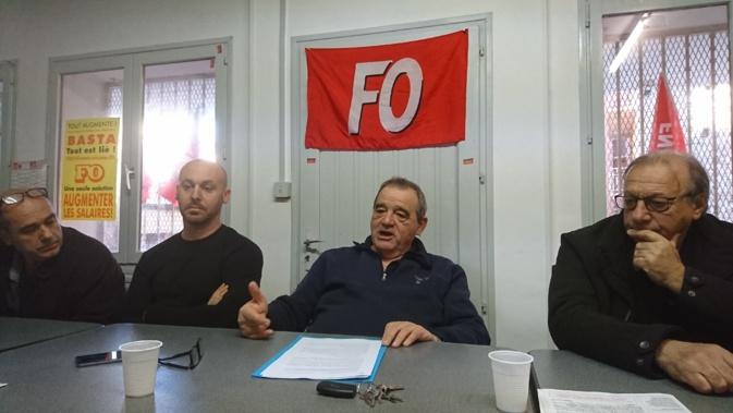 """""""Nous sommes dans un code du travail entreprise par entreprise"""", déplore Marcel Santini (au centre), secrétaire de l'union départementale FO Corse-du-Sud."""