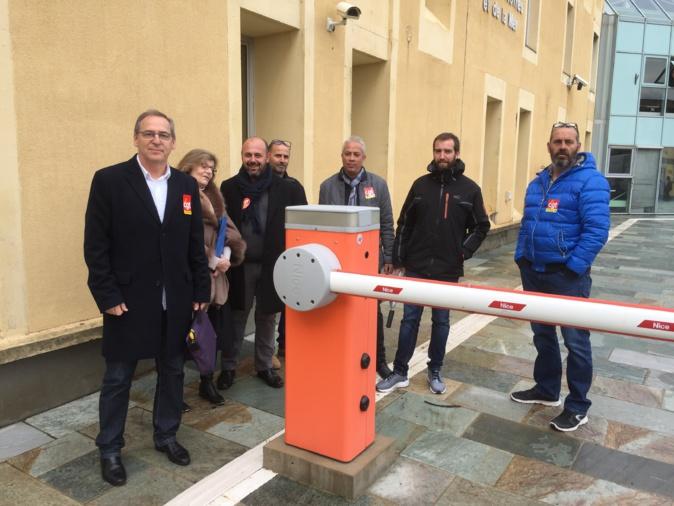 La délégation de la CGT avant son entrevue avec le conseiller d'E.Macron à la DDTM de Bastia