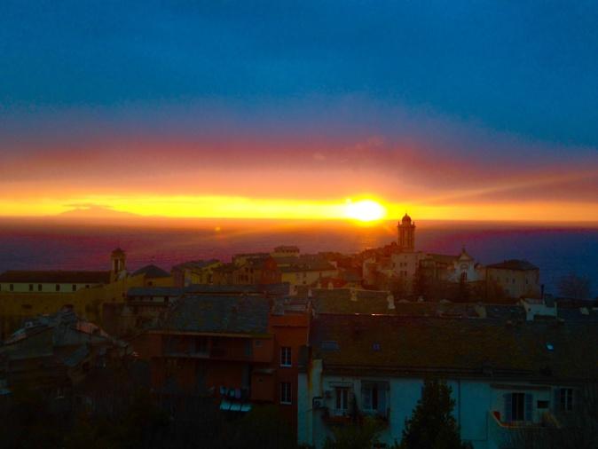 La photo du jour : Bastia dans un kaléidoscope de couleurs