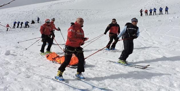 Exercice de prévention aux risques d'avalanches au Val d'Ese