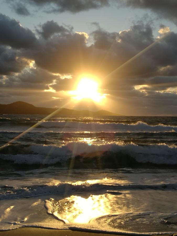 La photo du jour : Ciel tourmenté sur Agosta-Plage