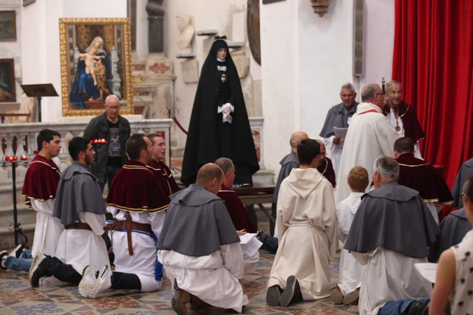 U  prugramma  di  À Simana Santa in Calvi