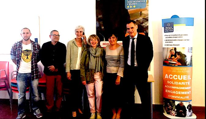 Véronique Fayet 3e à partir de la gauche) lors de son enterteien avec Gilles Simeoni