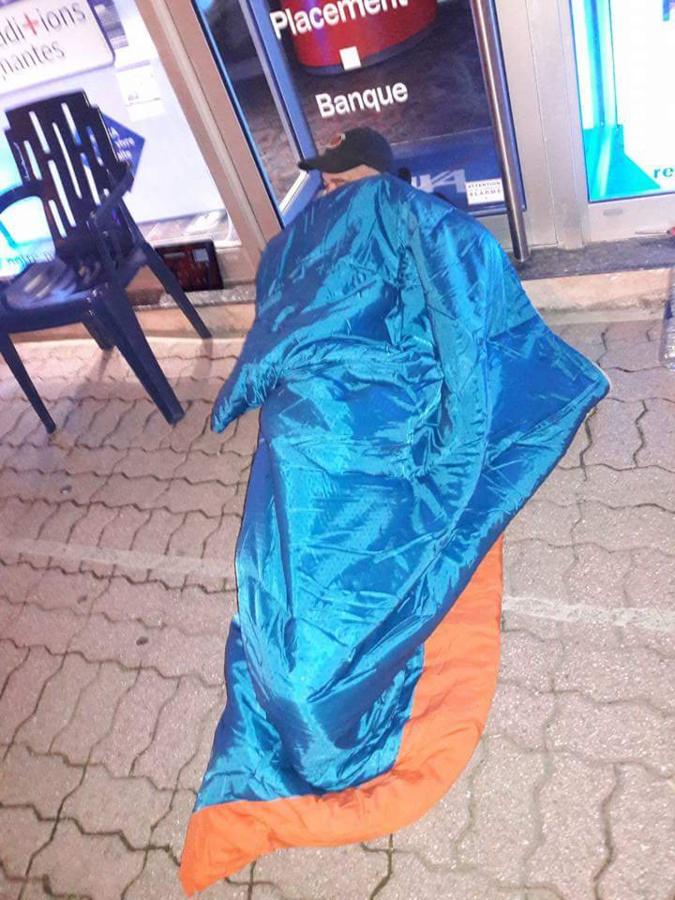Le gréviste de la faim de Calvi a passé sa première nuit dehors