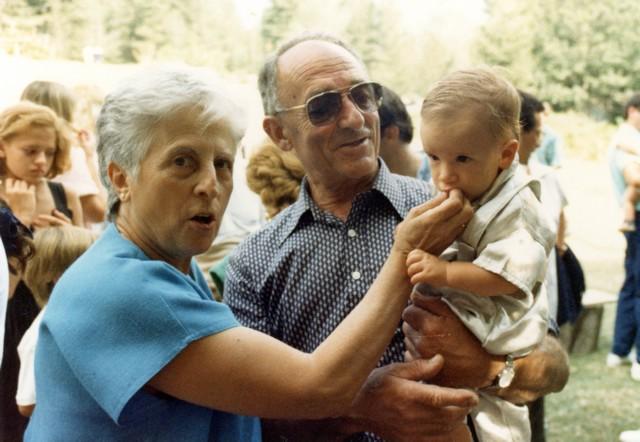 Léo Massiani accompagné par sa chère épouse  Marcelle, née Acquaviva au cours d'une célébration familiale