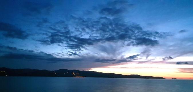 La photo du jour : Le Cap Corse au crépuscule