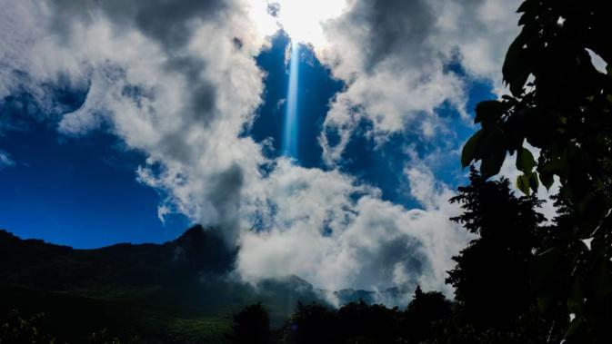 La photo du jour : Rayon… bleu au-dessus de Silgaghja
