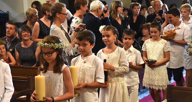 Premières communions et professions de foi à Zilia