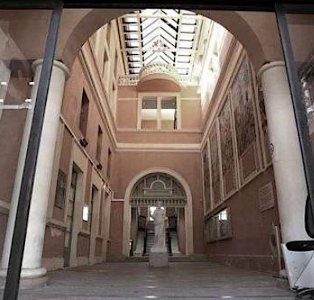 Nuit de la Coiffure : La Cour anglaise de la Mairie d'Ajaccio devient le plus grand salon de coiffure de Corse !