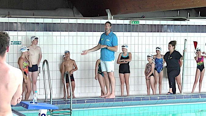 Le champion olympique 2008 Alain Bernard a dirigé un entraînement à la piscine du Fango à Bastia
