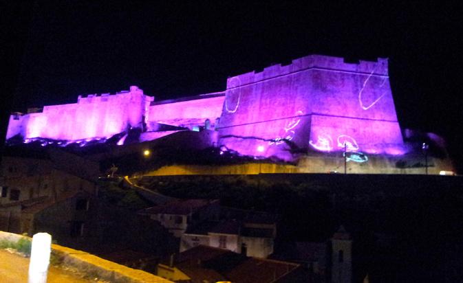 La photo du jour : La Citadelle de Bonifacio illuminée