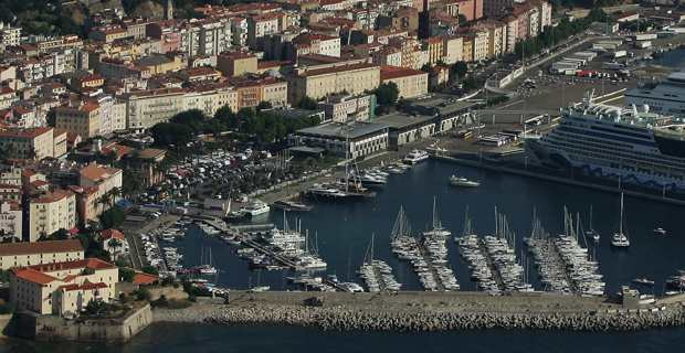 Port de plaisance Tino Rossi d'Ajaccio. Crédit photo M.L.