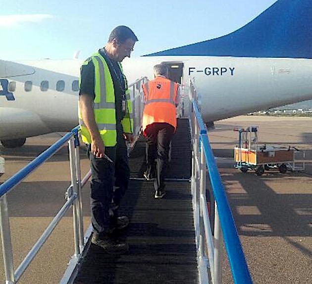 Personnes à mobilité réduite : Des rampes d'accès aux avions à  l'aéroport Calvi-Balagne