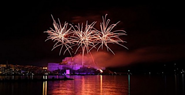 Calvi : Feu d'artifice du 14 juillet à 23 heures