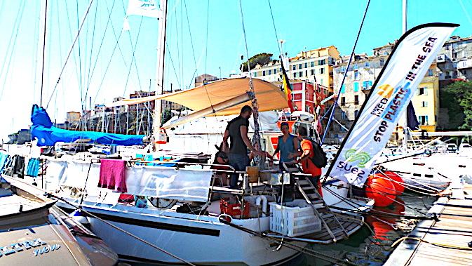 """""""Pelagos Plastic Free"""" fait escale à Bastia : Comment lutter contre la pollution en mer Méditerranée  ?"""