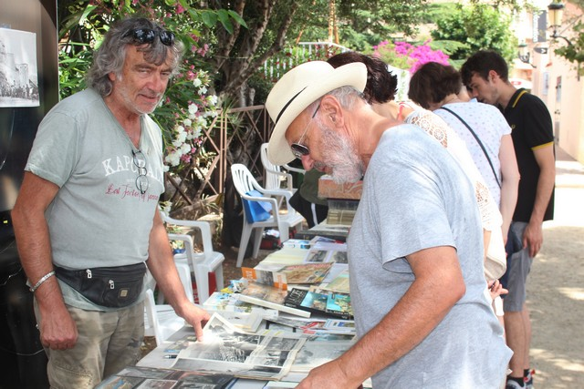Bourse aux cartes postales à Calvi