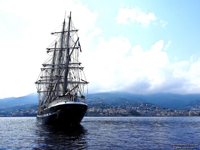 """Le """"Belem"""" jette l'ancre pour deux jours à Bastia"""