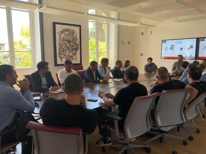 Le collectif I Patriotti est venu à la rencontre des élus de l'Assemblée de Corse