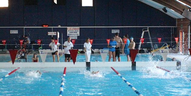 """""""J'apprends à Nager"""" avec l'ASPTT Bastia natation, pendant l'été"""