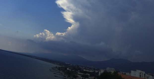 Cumulonimbus au dessus de la région bastiaise
