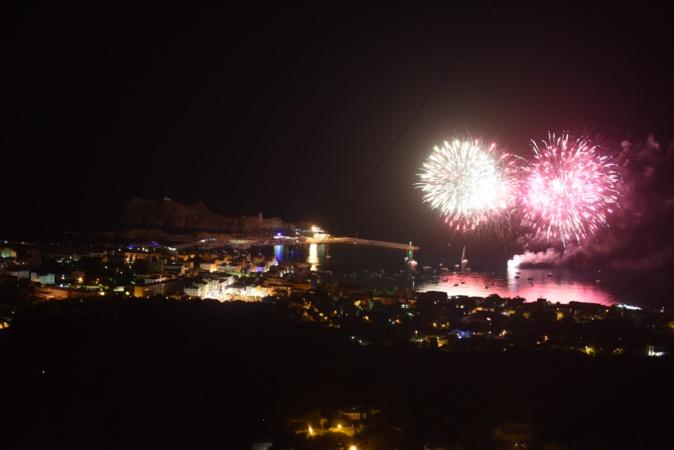 Magnifique feu d'artifice à Lisula hier soir
