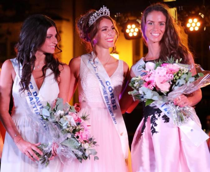 De gauche à droite : Clara Felicetti (première dauphine), Eva Colas (miss Corse) et Solène Cuvereaux (Miss Bastia 2018). Crédit photo : Océane Baldocchi