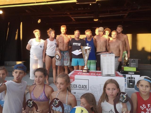 La remise des prix du tournoi de Beach-Volley Lionel Marcu
