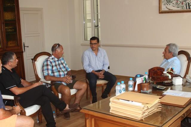 François Pareau et Jean Gour reçus ce matin à l'Hôtel de Ville de Calvi par le Maire Ange Santini et l'adjoint aux sports Didier Bicchieray