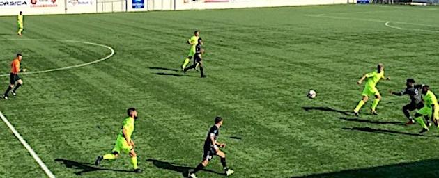 Furiani, en noir, est venue à bout d'une solide équipe de Saint Malo
