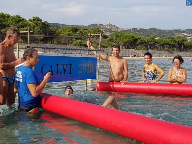 Première course de nage en eau libre dans la baie de Calvi