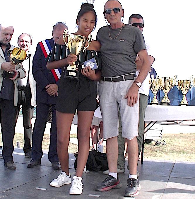 A l'image de Paul Sbraggia (Haras des Sables) et Salomé Normant-Dolou (championne de Corse d'équitation), une dizaine de champions a été récompensée par la municipalité de Biguglia