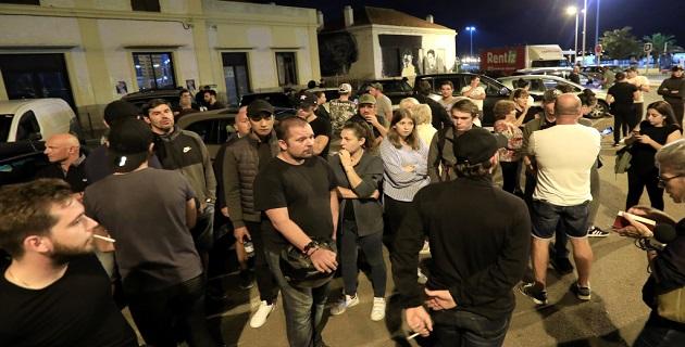Rassemblement de soutien devant la gare d'Ajaccio