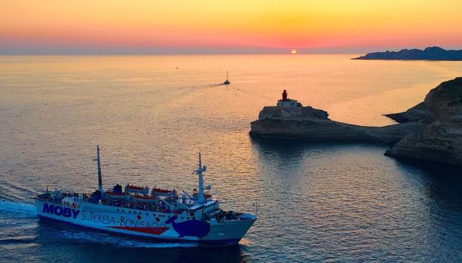La photo du jour :  Quand le bateau rentre au port de Bonifacio…