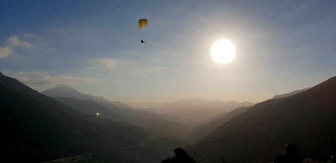 La photo jour : En parapente au dessus de Vizzavona…
