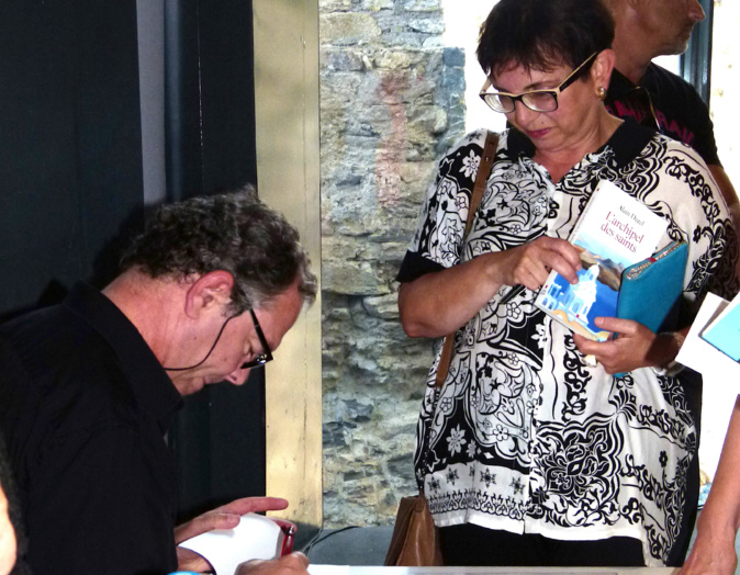 Alain Durel a dédicacé de nombreux ouvrages à Corte