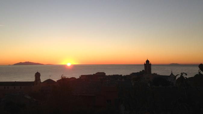 La photo du jour : Lever de Soleil sur la mer Tyrrhénienne